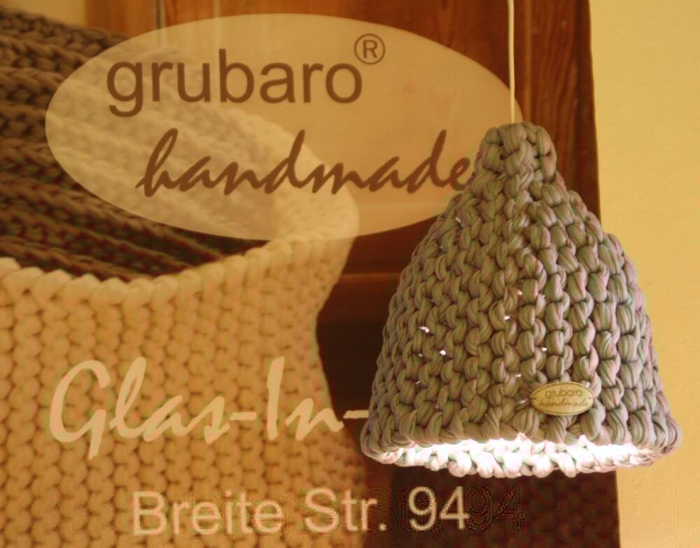 Gestrickter Lampenschirm aus Textilgarn
