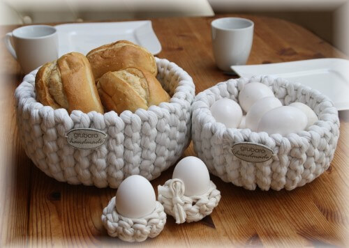 Strickkörbe für Brötchen und Frühstückseier