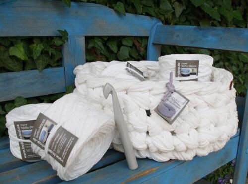 Häkelkorb aus weißen Original Textilos