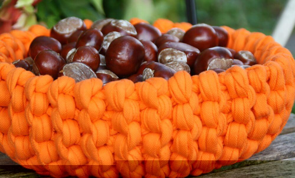 Herbstdeko im Strickkorb